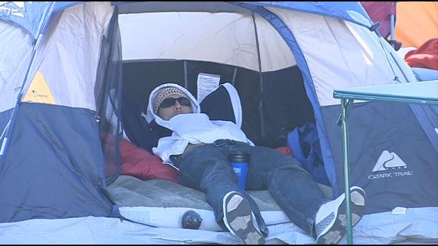 Chicken lovers camp out for year's supply of Chick-fil-A sandwiches